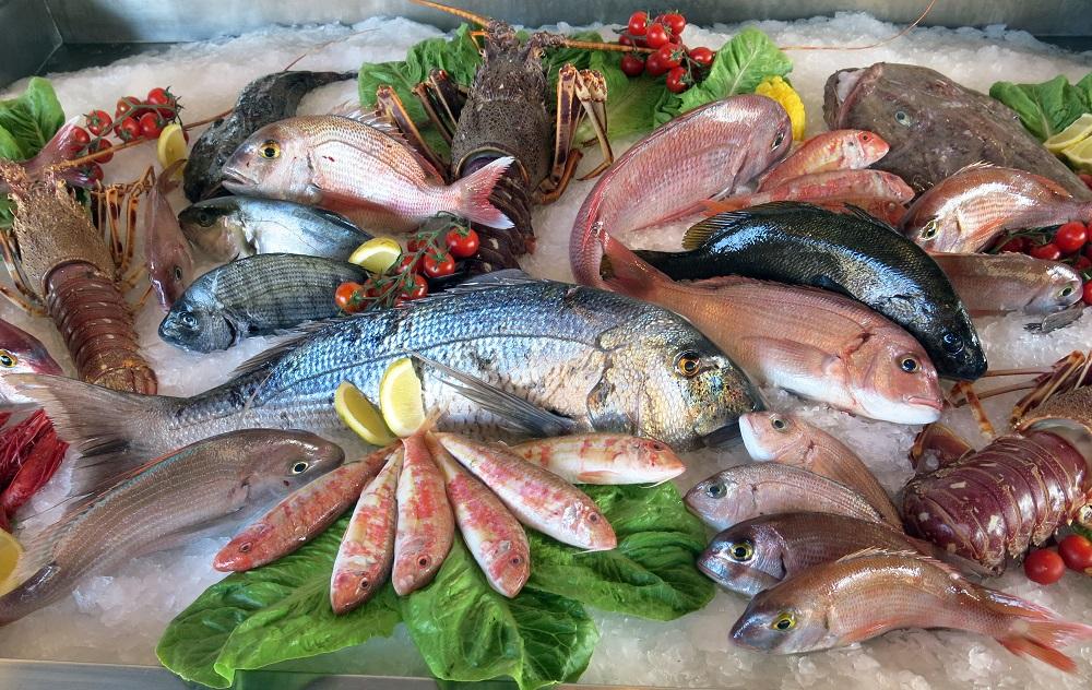 Dlaczego warto jeść ryby i owoce morza?