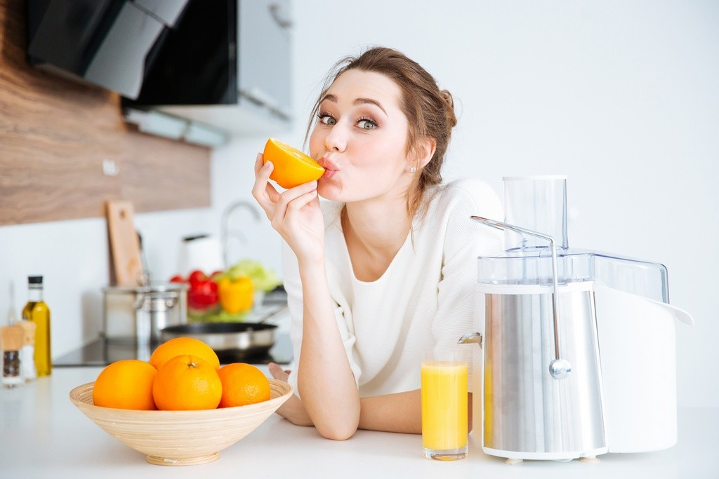 Smoothies a świeży sok – czym się różni
