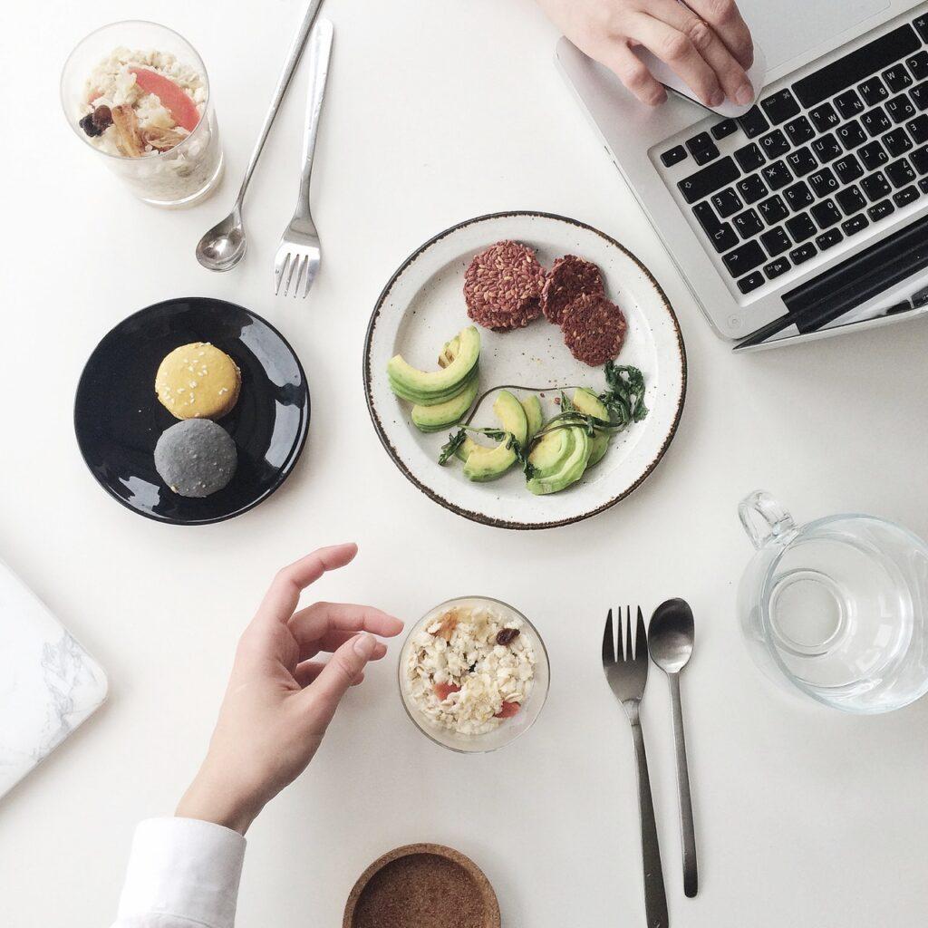 zdrowy lunch w pracy